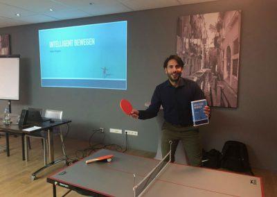 """Fabio D'Agata van Spat Verandert is er helemaal klaar voor om zijn lezing """"Intelligent Bewegen"""" te verzorgen"""