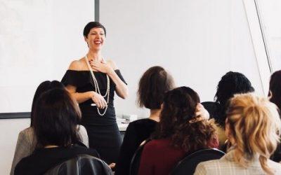 """27 maart 2020   Business Coach Glancy van Elst met de Talk: """"De liefdevolle schop onder je kont."""""""
